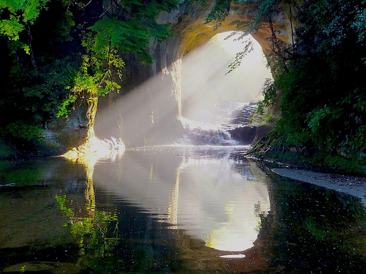 有名になる以前は「河川トンネル」と通称される単なる穴場でした