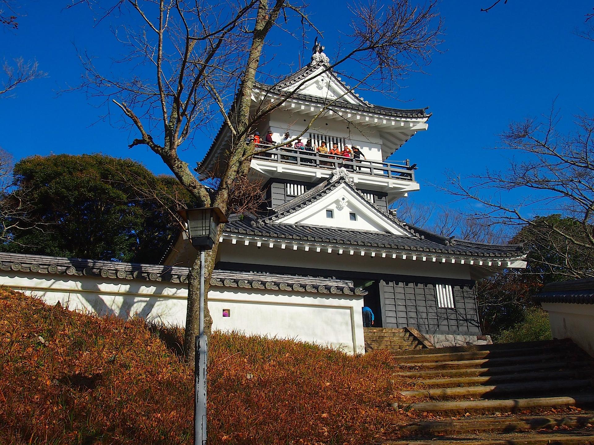 久留里城本丸の建つ模擬天守は浜松城がモデル