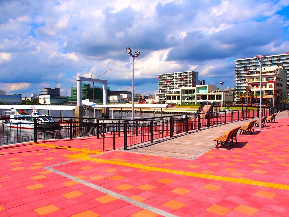 旅客船ターミナル「ケーズハーバー」の千葉中央港旅客船桟橋