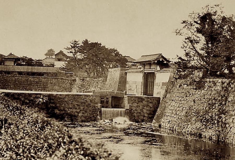 往時の虎ノ門は、現在の虎ノ門交差点(東京メトロ虎ノ門駅)周辺