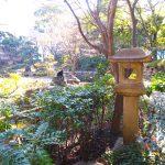 岩亀楼の石灯籠