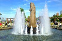 山下公園・水の守護神像